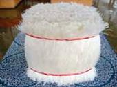 一説には高級な羊羹に使われると言われる糸寒天を使用。